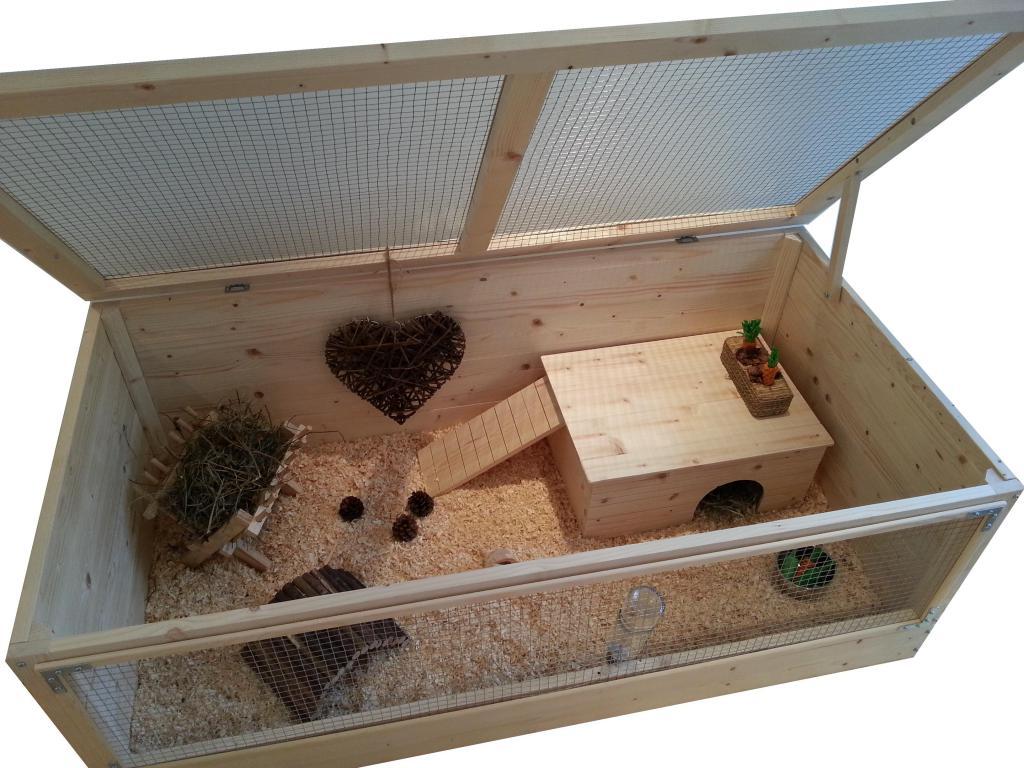 Деревянная клетка для хомяка